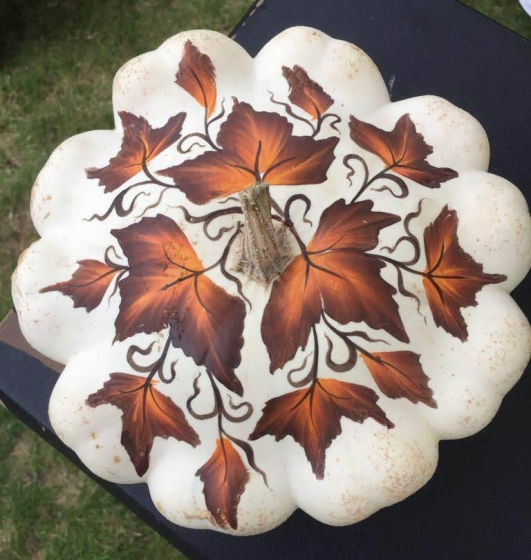 Autunmnal decorated patty pan squash
